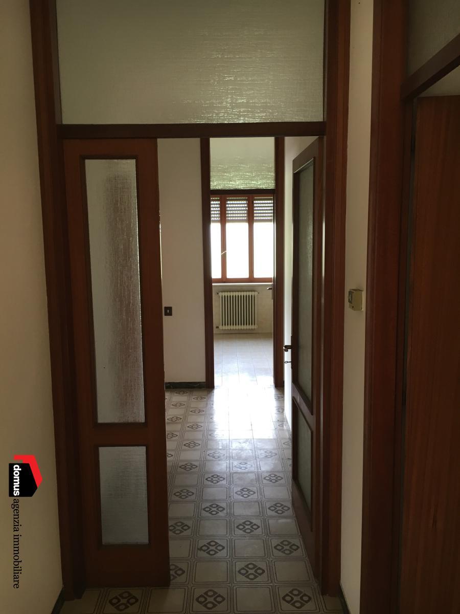 Appartamento in vendita a San Vito di Leguzzano, 5 locali, prezzo € 140.000 | CambioCasa.it