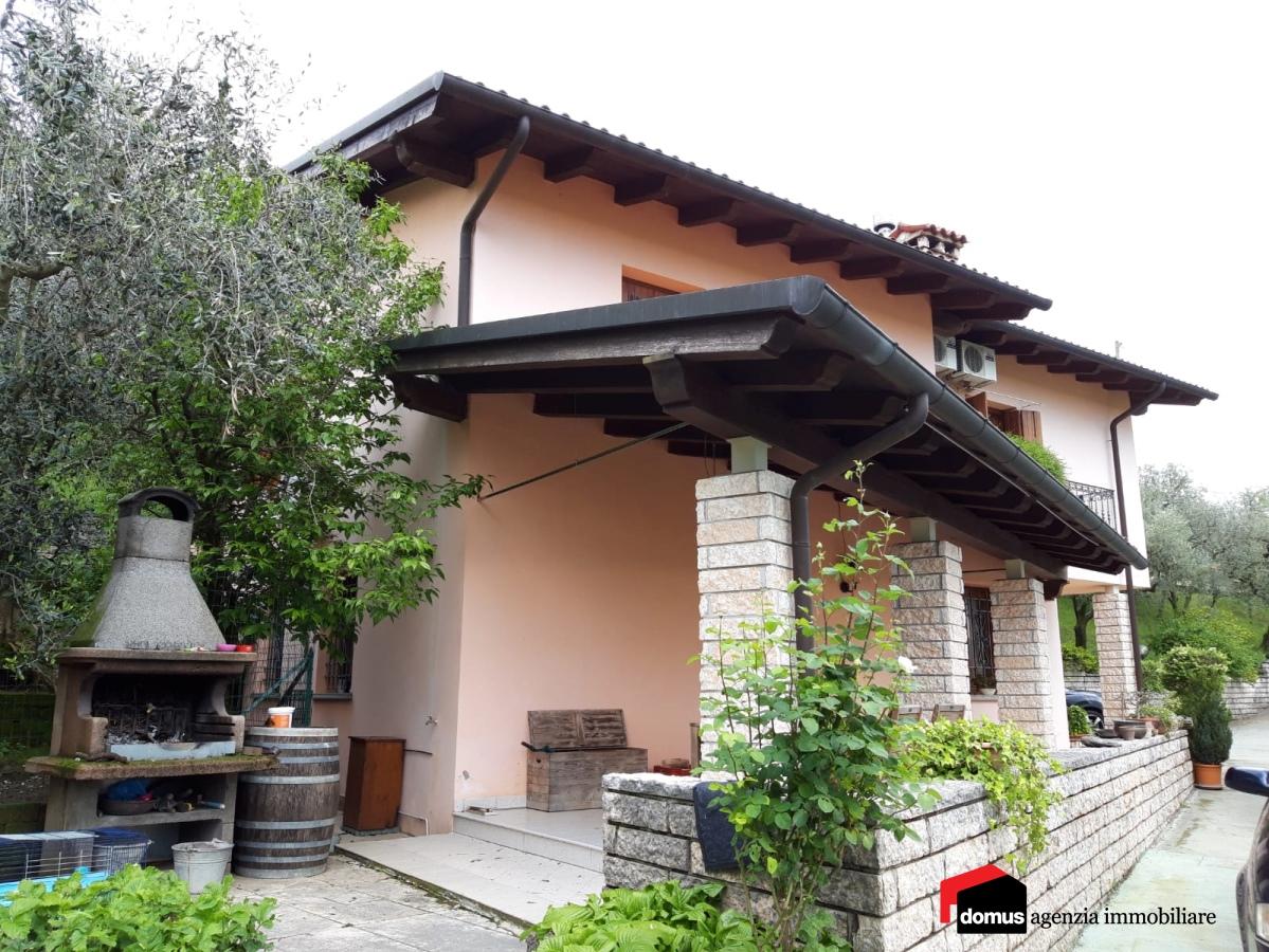 Villa in vendita a Marostica, 10 locali, prezzo € 390.000   CambioCasa.it